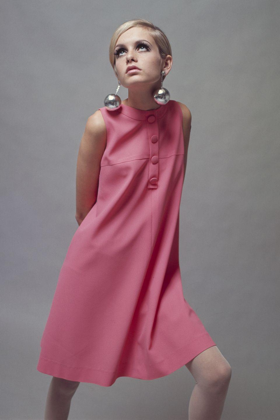<p>Twiggy knows: When it comes to earrings, the bigger, the better. There's always earlobe reconstructive surgery. </p>