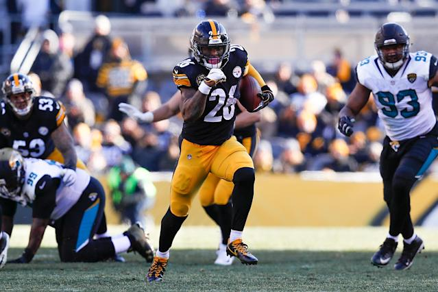 Pittsburgh Steelers running back Le'Veon Bell did not show up on Saturday when the team took off for Cleveland. His holdout is officially spilling over into the regular season. (Getty Images)