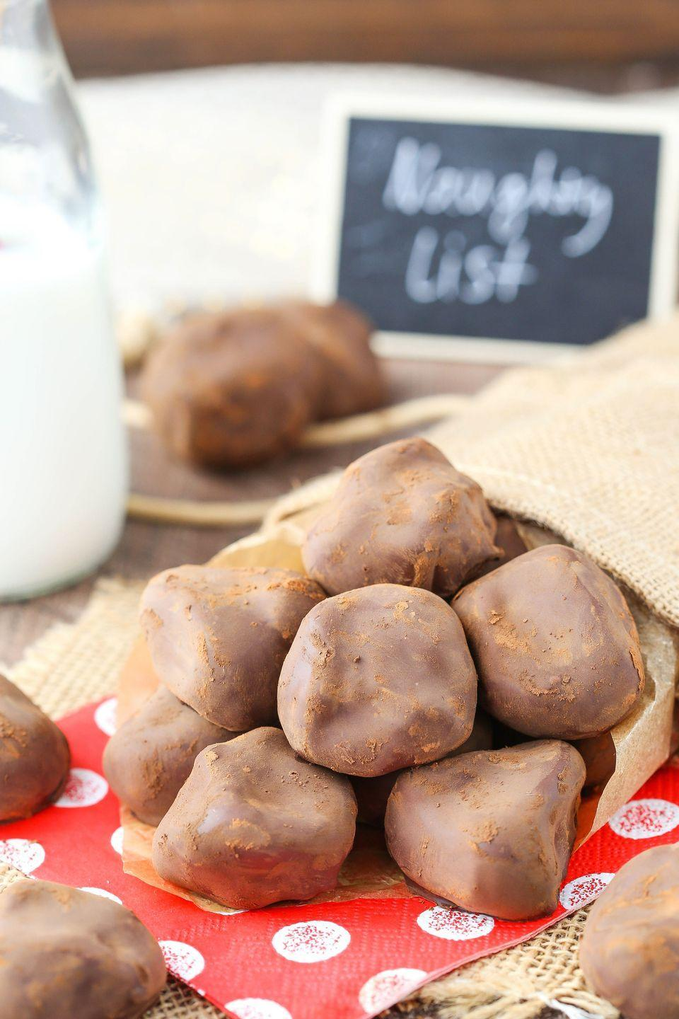 """<p>TBH we wouldn't mind getting a lump of this in our stocking.</p><p>Get the recipe from <a href=""""https://www.delish.com/cooking/recipe-ideas/recipes/a50446/oreo-coal-recipe/"""" rel=""""nofollow noopener"""" target=""""_blank"""" data-ylk=""""slk:Delish"""" class=""""link rapid-noclick-resp"""">Delish</a>. </p>"""