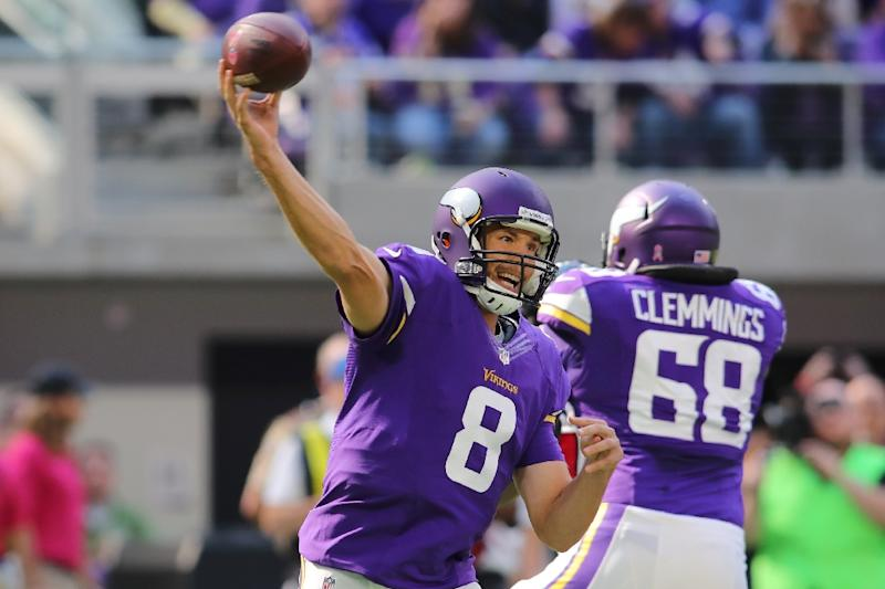 Sam Bradford of the Minnesota Vikings throws the ball during their game  against the Houston Texans d643c6419