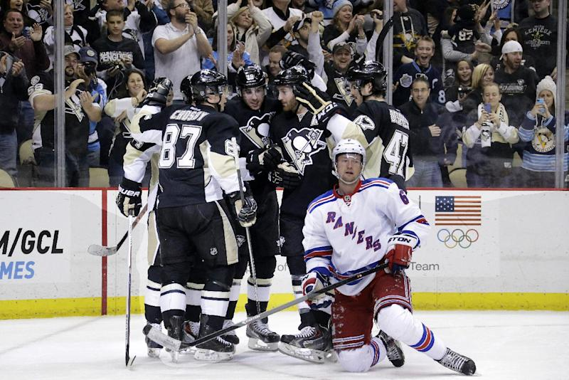 Penguins stay hot at home, top Rangers 5-2
