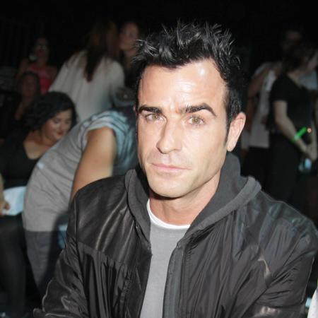 Justin Theroux 'invites Pitt to Aniston wedding'
