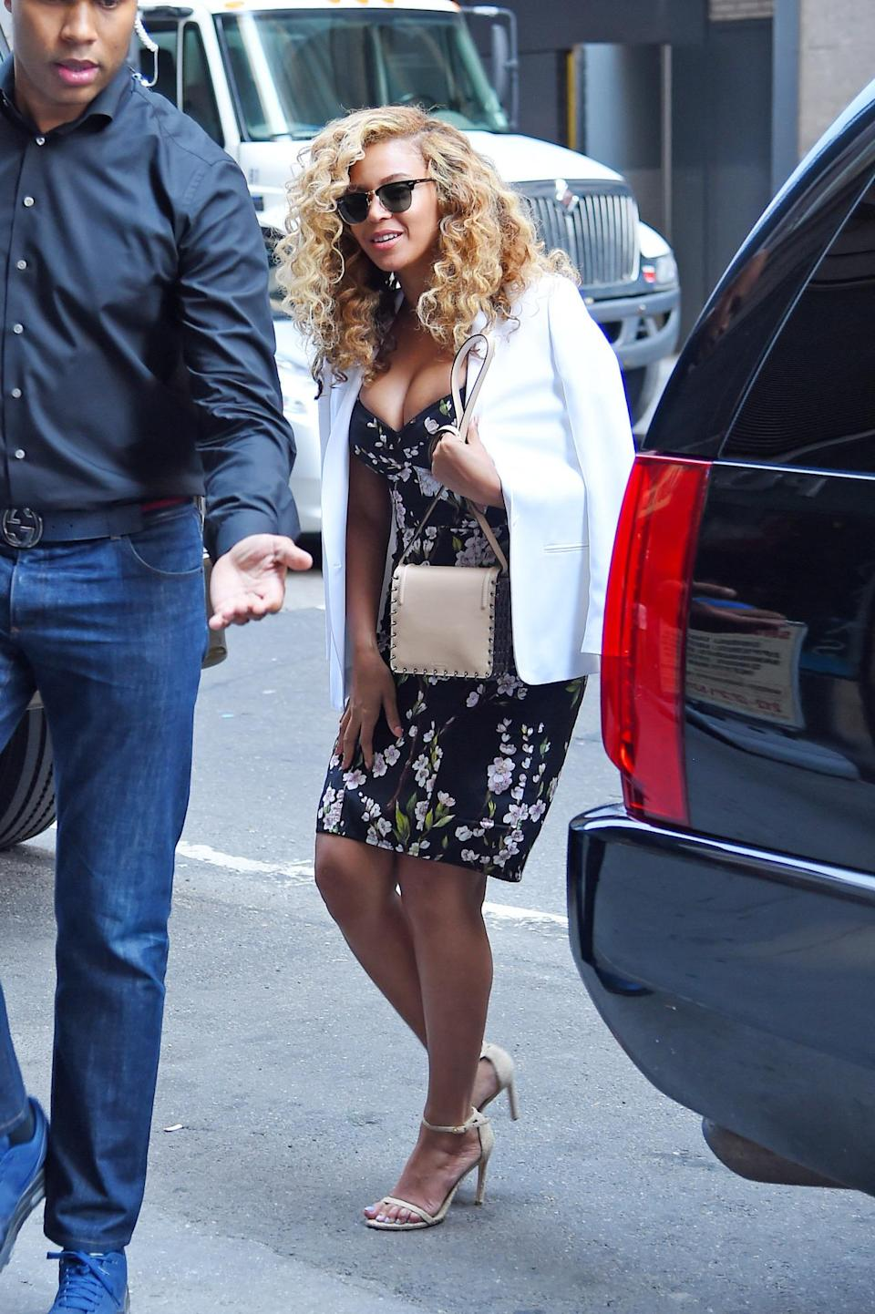 <p>The pop icon looked flawless—as usual—in a body hugging dress from the Italian design duo while out and about in New York City.<br><br></p>