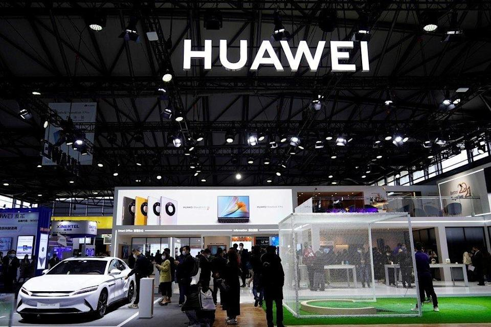 People visit the exhibition booth of telecommunications equipment maker Huawei Technologies Co at industry trade show MWC Shanghai on February 23, 2021. Photo: Reuters