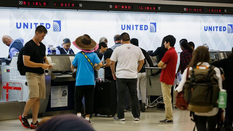 USA airlines bumping passengers at lower rate