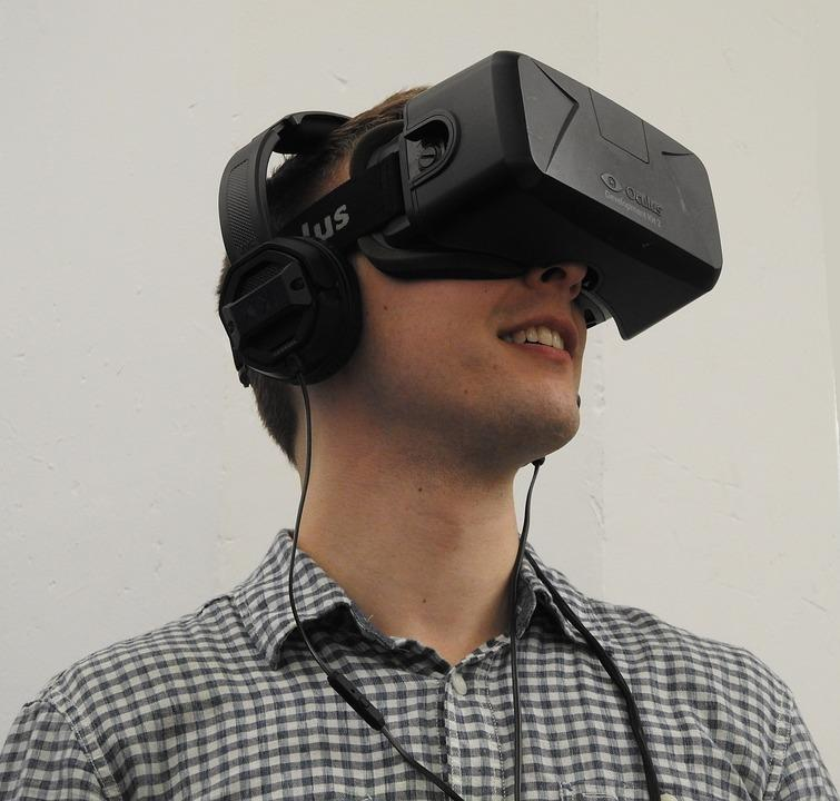 <p>Have you ever wondered what the world looks like from the other gender's point of view? Turns out that virtual reality headsets have started seeing learning apps which allow people to swap genders and know more about the life of their gender counterpart. </p>