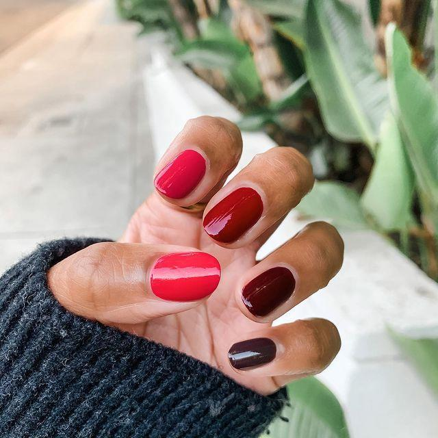 "<p>If springy colors aren't your thing, opt for a red ombré look. Paint your thumb your lightest red shade, and paint your pinky the darkest. </p><p><a class=""link rapid-noclick-resp"" href=""https://go.redirectingat.com?id=74968X1596630&url=https%3A%2F%2Fwww.nordstrom.com%2Fs%2Fchanel-le-vernis-longwear-nail-colour%2F4296192&sref=https%3A%2F%2Fwww.goodhousekeeping.com%2Fbeauty%2Fnails%2Fg3186%2Fspring-nail-designs%2F"" rel=""nofollow noopener"" target=""_blank"" data-ylk=""slk:SHOP RED POLISH"">SHOP RED POLISH</a></p><p><a href=""https://www.instagram.com/p/CHi9Jfdp3jc/&hidecaption=true"" rel=""nofollow noopener"" target=""_blank"" data-ylk=""slk:See the original post on Instagram"" class=""link rapid-noclick-resp"">See the original post on Instagram</a></p>"