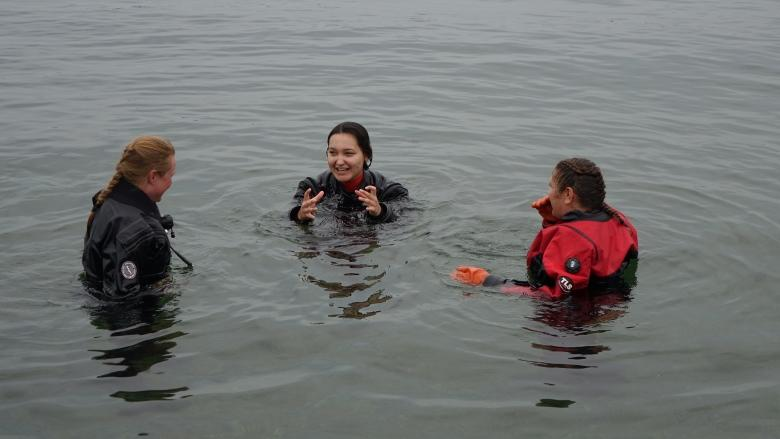 Inuit students dive into Arctic expedition for science