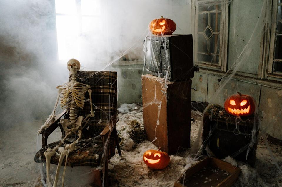"<p>Cobwebs, jack-o'-lanterns, a skeleton; everything about this picture screams <a class=""link rapid-noclick-resp"" href=""https://www.popsugar.co.uk/Halloween"" rel=""nofollow noopener"" target=""_blank"" data-ylk=""slk:Halloween"">Halloween</a>.</p>"