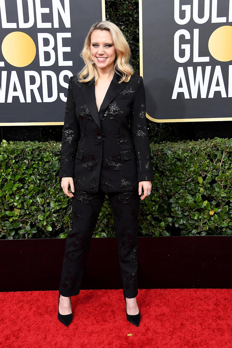 "<h1 class=""title"">Kate McKinnon in Prabal Gurung and Jimmy Choo shoes</h1><cite class=""credit"">Photo: Getty Images</cite>"