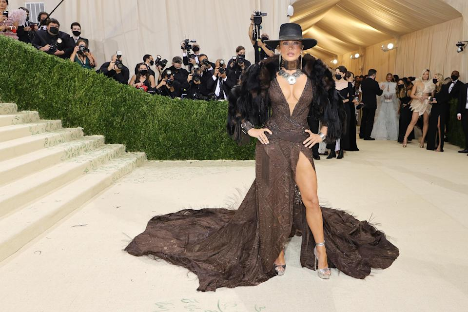 """<h1 class=""""title"""">Jennifer Lopez, The 2021 Met Gala Celebrating In America: A Lexicon Of Fashion - Arrivals</h1><cite class=""""credit"""">Getty</cite>"""