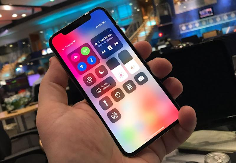 Apple will launch a huge 6.5-inch iPhone X Plus next year with two other iPhones, KGI says