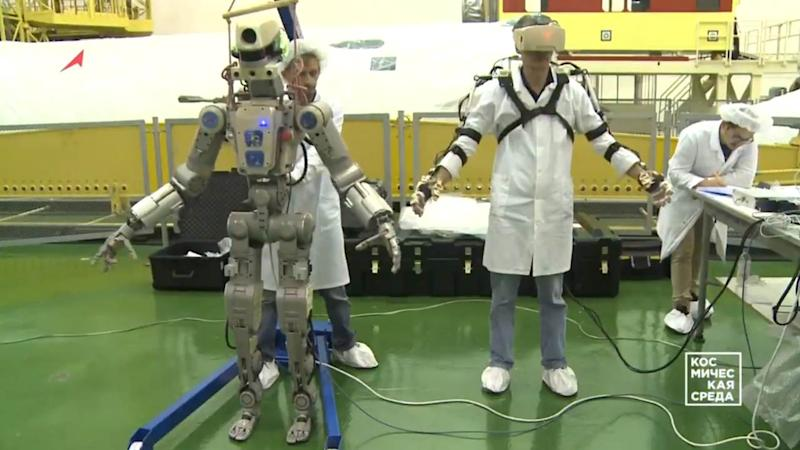 Russia's FEDOR not suited for space, ISS waves goodbye to tall, lanky robot