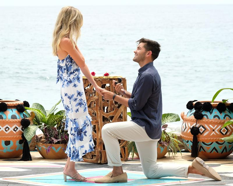 Dylan proposing to Hannah on Bachelor in Paradise