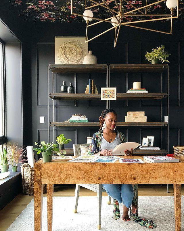 "<p>Shavonda Gardner, based in California, expertly mixes pattern and texture in her spaces. </p><p><a href=""https://www.instagram.com/p/B3x7TF2pBri/"" rel=""nofollow noopener"" target=""_blank"" data-ylk=""slk:See the original post on Instagram"" class=""link rapid-noclick-resp"">See the original post on Instagram</a></p>"