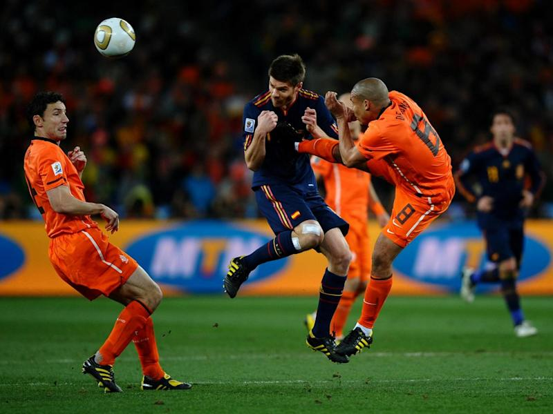 Holland were forced to resort to kicking Spain in the 2010 World Cup final (Getty)