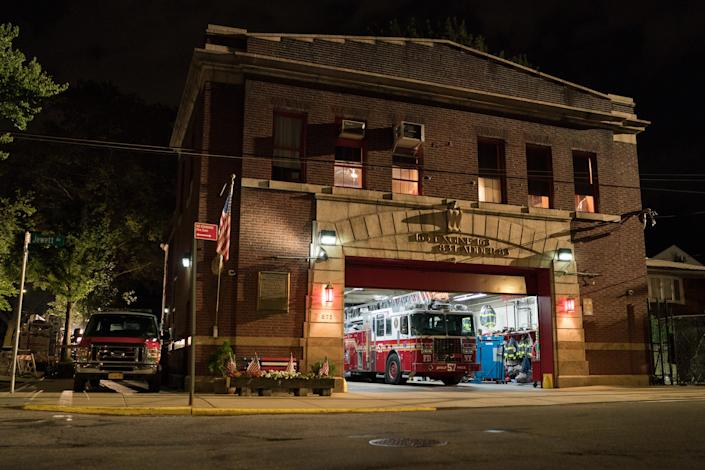 "<h1 class=""title"">THE KING OF STATEN ISLAND</h1> <div class=""caption""> Davidson's character finds his second home at Engine 163 & Ladder 83, located on Jewett Avenue in Staten Island. </div> <cite class=""credit"">Photo: Mary Cybulski / Universal Pictures</cite>"
