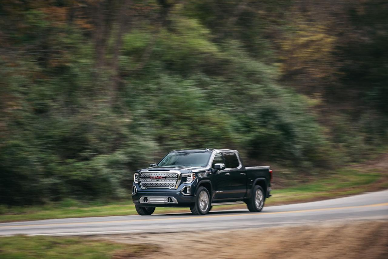 <p>The Sierra 1500 is still largely mechanically similar to the equally fresh 2019 Chevrolet Silverado 1500.</p>
