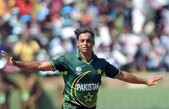 Madan Lal has criticised Pakistan cricketers like Shoaib Akhtar for speaking against the IPL