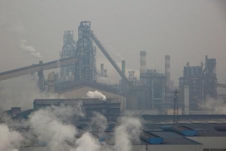 China extends pollution curbs ahead of National Day celebrations