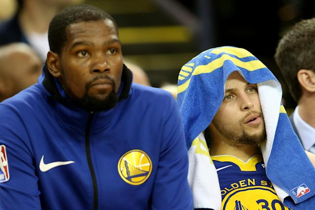 Kevin Durant and Steph Curry didn't have the close relationship Durant wanted, but Curry still flew from China to N.Y. to thank Durant for everything he'd done for the Warriors. (Photo by Ray Chavez/MediaNews Group/The Mercury News via Getty Images)