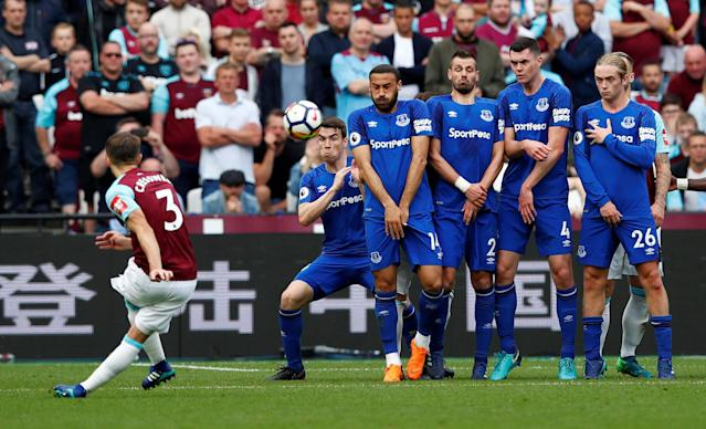 "Soccer Football - Premier League - West Ham United vs Everton - London Stadium, London, Britain - May 13, 2018 Everton's Cenk Tosun and team mates form a wall to defend a free kick taken by West Ham United's Aaron Cresswell REUTERS/Eddie Keogh EDITORIAL USE ONLY. No use with unauthorized audio, video, data, fixture lists, club/league logos or ""live"" services. Online in-match use limited to 75 images, no video emulation. No use in betting, games or single club/league/player publications. Please contact your account representative for further details. TPX IMAGES OF THE DAY"