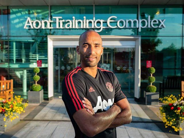Manchester United transfer news: Stoke City reserve goalkeeper Lee Grant completes move to Old Trafford