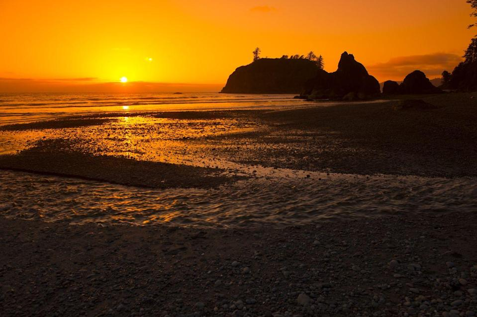 <p>While the coastal section of Olympic National Park is rockier than it is sandy, it's still worth visiting Ruby Beach for the views alone.</p>