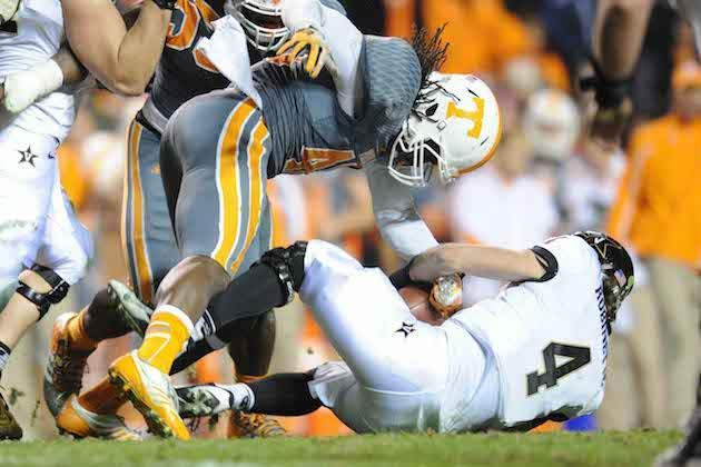 Tennessee players A.J. Johnson and Danny O'Brien arrested on alcohol charges after party