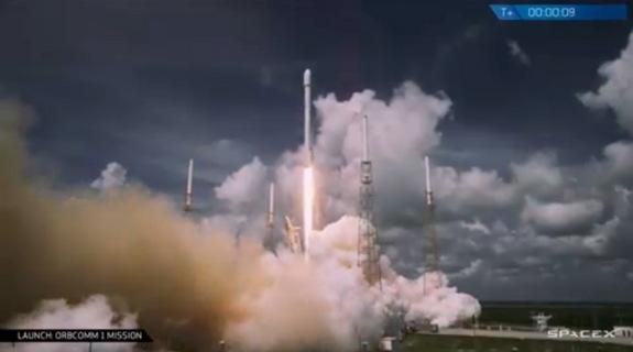 SpaceX Rocket Launches 6 Commercial Satellites into Orbit