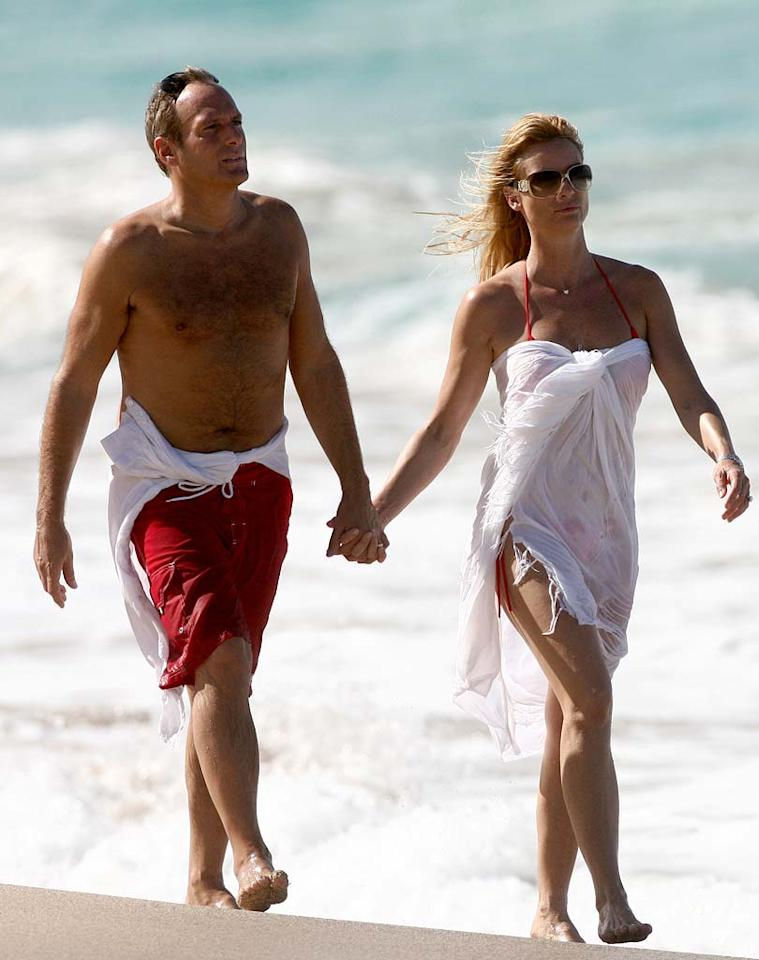 "Nicollette Sheridan and her beau Michael Bolton also chose the beach over the slopes, spending the entire week in Saint Barths. <a href=""http://www.infdaily.com"" target=""new"">INFDaily.com</a> - December 25, 2007"