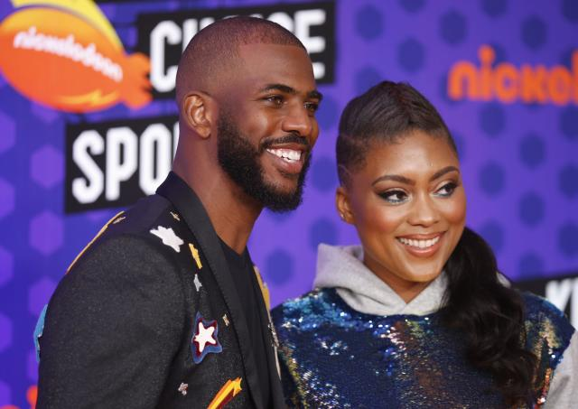 Kids Choice Sport Awards 2018 – Arrivals – Los Angeles, California, U.S., 19/07/2018. Houston Rockets NBA basketball player Chris Paul with wife Jada. REUTERS/Danny Moloshok