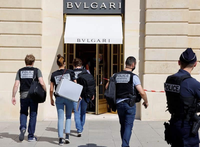 Police arrest two suspects after latest raid on Paris jewellers
