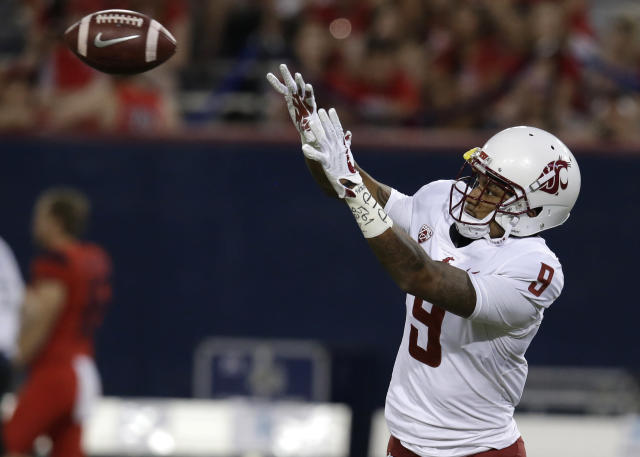 "Washington State wide receiver <a class=""link rapid-noclick-resp"" href=""/ncaaf/players/263284/"" data-ylk=""slk:Isaiah Johnson-Mack"">Isaiah Johnson-Mack</a> wondered on Twitter why Mike Leach would restrict his transfer. (AP Photo/Rick Scuteri)"