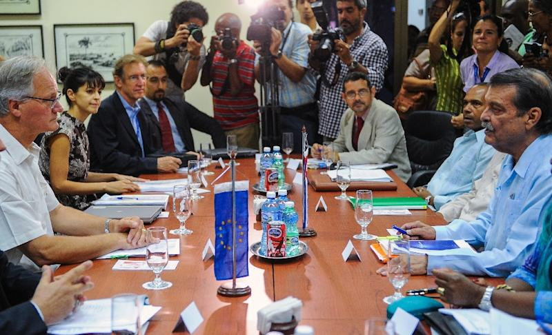 The fifth round of negotiations towards a political dialogue and cooperation between the European Union and Cuba in Havana, on September 9, 2015 (AFP Photo/Yamil Lage)