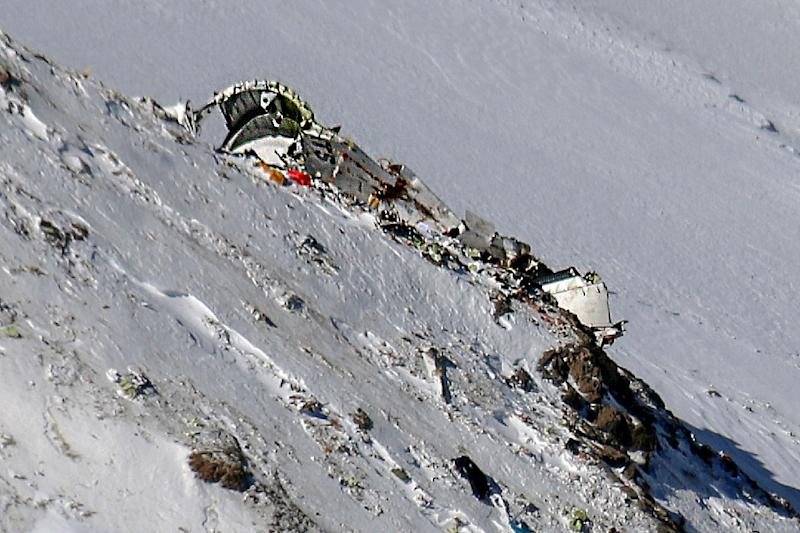 Iran teams find wreckage of plane in Zagros mountains