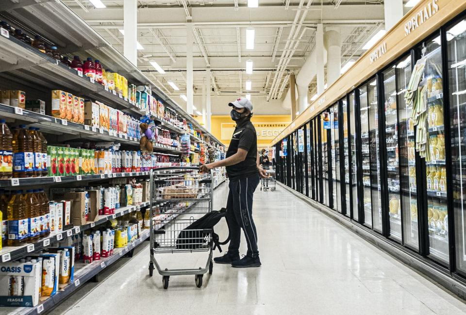 """<span class=""""caption"""">High-touch surfaces in grocery stores were tested as a potential transmission point for SARS-CoV-2. </span> <span class=""""attribution""""><span class=""""source"""">THE CANADIAN PRESS/Christopher Katsarov </span></span>"""