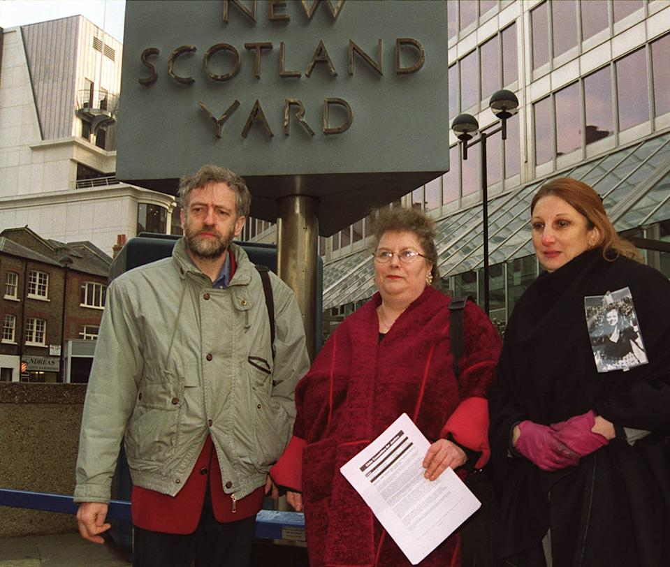Campaigners Jeremy Corbyn MP (L) Sue Lukes, chair of the Chile Committee for Justice (C) and Berenice Dockendorff (R), whose sister Muriel disappeared in 1974 during the Pinochet regime, present evidence to the Metropolitan Police. *.. at Scotland Yard detailing statements and evidence of three other cases of 'disappearance' which took place in Chile in 1988.   The Belgian authorities and six human rights groups have already launched a legal challenge to Home Secretary Jack Straw's decision to allow General Pinochet to return to Chile.