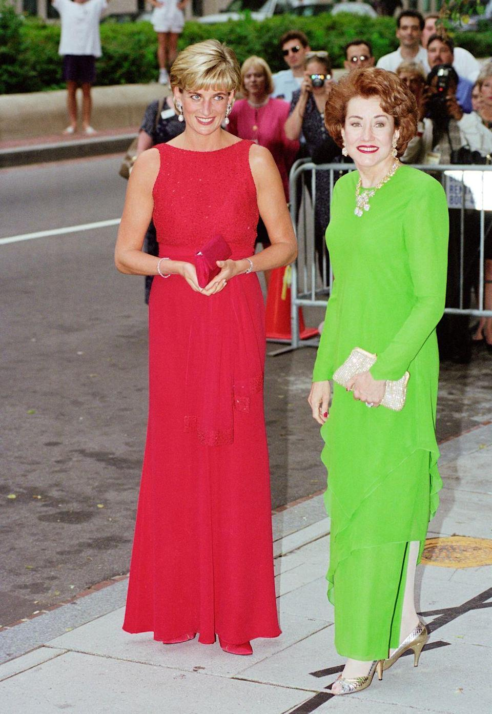 <p>In a battle of bold colors, United States congresswoman Elizabeth Dole wore a lime green chiffon gown, while Princess Diana rocked a sleeveless red design. The Princess was in the United States to attend a fundraising gala for the American Red Cross in Washington D.C. </p>