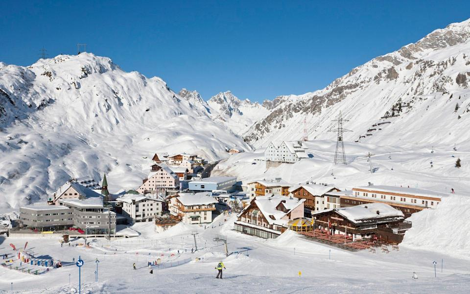 Tyrol covered in snow - Westend61