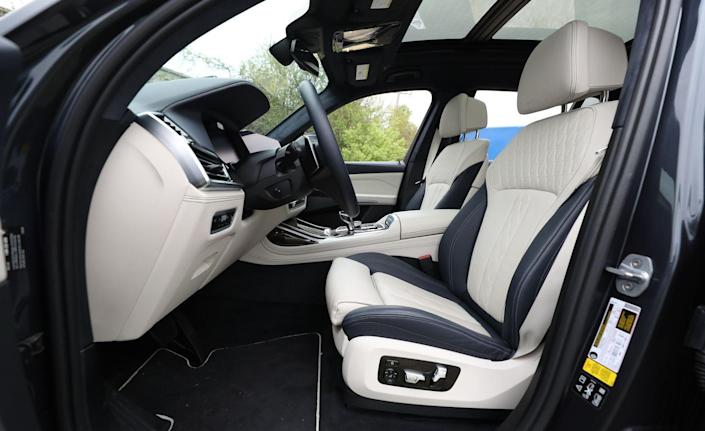 <p>The $3700 blue-and-ivory interior in our 50i test vehicle is an impressively upscale combo. The 20-way-adjustable multicontour front seats, with that all-important articulating backrest to dial in the perfect fit, are among the best in the business.</p>