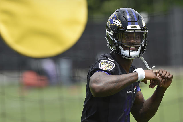Baltimore Ravens quarterback Lamar Jackson led his team to the playoffs as a rookie. (AP)