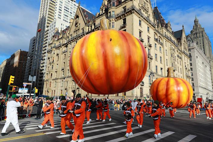 The biggest pumpkins in the patch are flying high above the streets of New York City this Thanksgiving! (Photo: Gordon Donovan/Yahoo News)