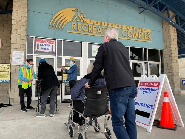 People arrive at the targeted COVID-19 vaccine clinic for 80-plus seniors in Leamington on March 10, 2021/ (Dan Taekema/CBC - image credit)