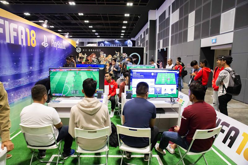 Gamers playing FIFA at Asian Game Fest 2018. (Photo: SCOGA)