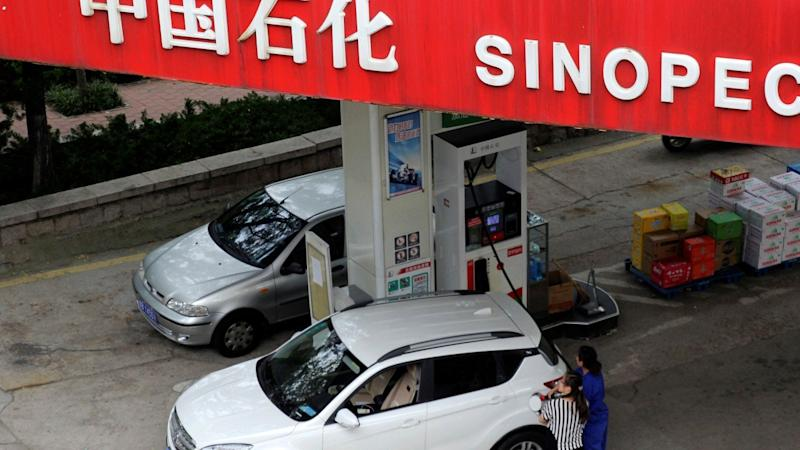 How about fresh veggies and meat when you get gas? Sinopec offers new touch-free service amid coronavirus fears