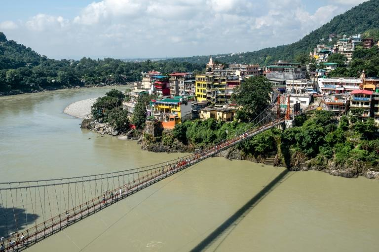 French woman arrested for naked video on Indian holy bridge