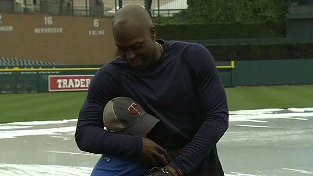 Torii Hunter makes wish come true