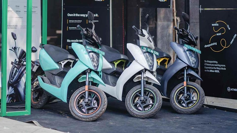 Both the Ather 450 Plus and Ather 450X (pictured here) have received an additional price drop of Rs 14,500 thanks to the FAME 2 subsidy revision. Image: Ather Energy