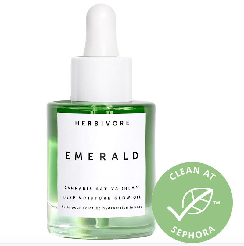 "This <a href=""https://fave.co/2QUkwRa"" target=""_blank"" rel=""noopener noreferrer""><strong>lightweight facial oi</strong>l</a> blends cannabis sativa hemp seed oil, squalane, and adaptogens that calm and nourish skin for a lasting glow. It's free of CBD.&nbsp;<br />&lt;br&gt;<strong> Rating</strong>: 5-star<br />&lt;br&gt;<strong> Reviews</strong>: 51&nbsp;<br />&lt;br&gt;&nbsp;<strong>Loves</strong>: 10,000&nbsp;<br />&lt;br&gt;&nbsp;<a href=""https://fave.co/2QUkwRa"" target=""_blank"" rel=""noopener noreferrer""><strong>Get it here</strong></a>"